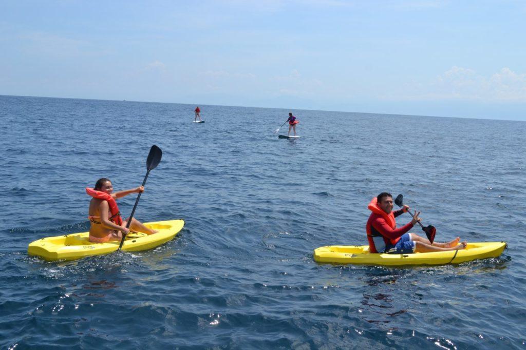 Sightseeing & Snorkeling Tour 20