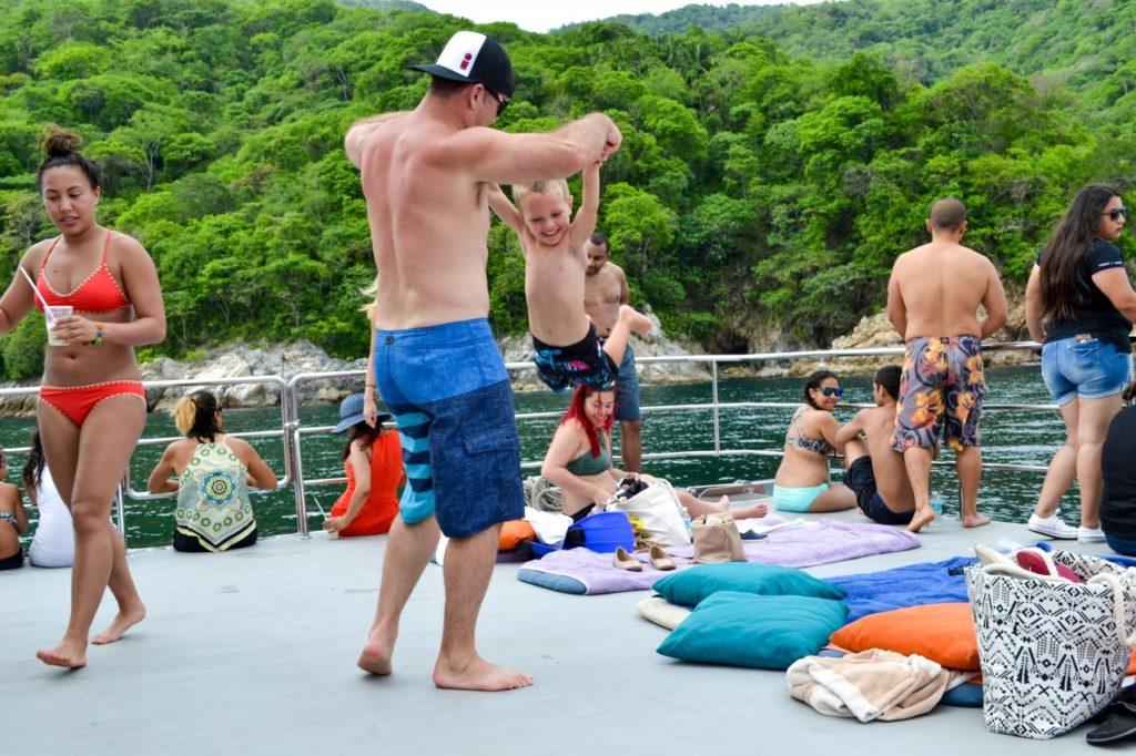 Sightseeing & Snorkeling Tour 21