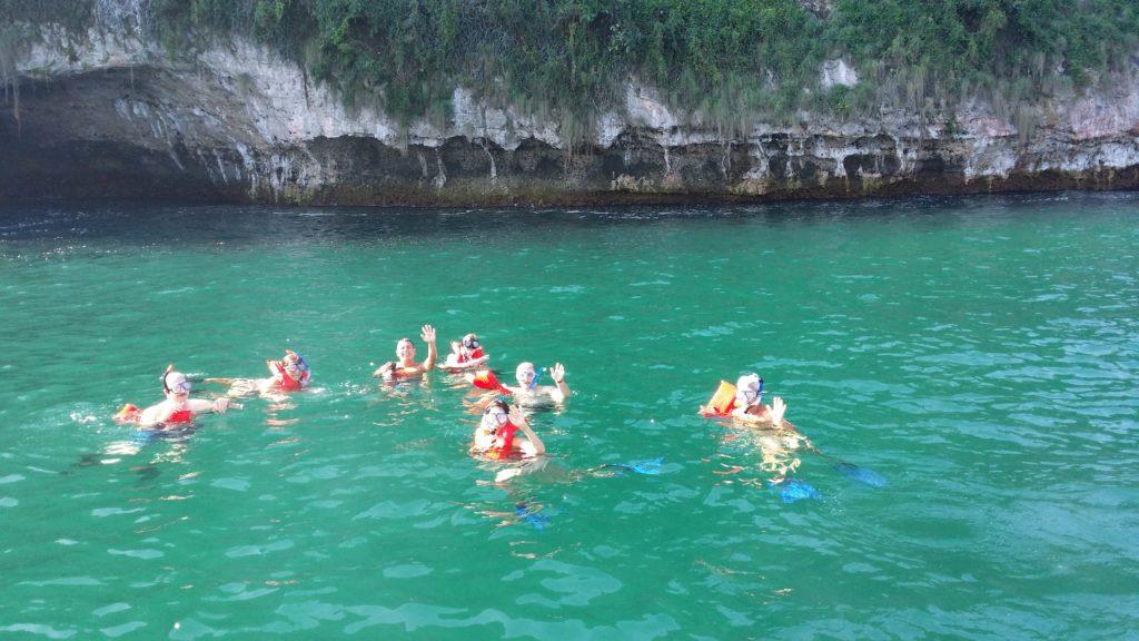 Sightseeing & Snorkeling Tour 8