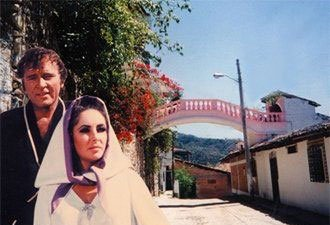 Elizabeth Taylor and Richard Burton at Casa Kimberly in Puerto Vallarta