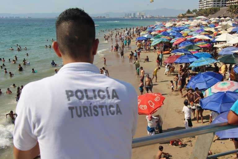 People-feel-very-safe-in-Puerto-Vallarta